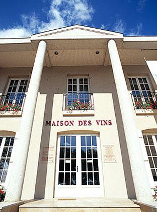 Maison-des-vins-03